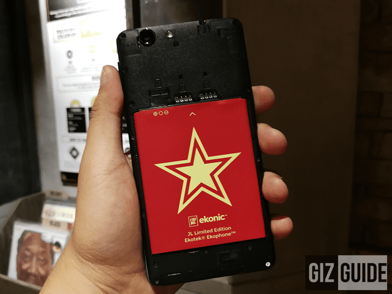 Flash star sticker on the 2,500 mAh battery pack