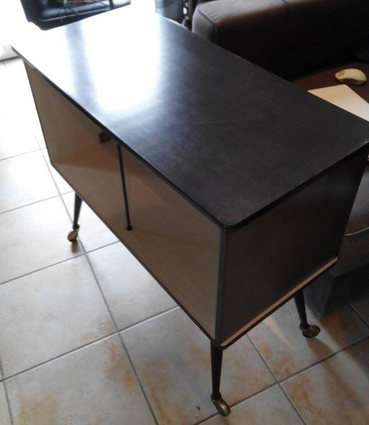 l 39 atelier d co du capagut meuble r tro pour emilie. Black Bedroom Furniture Sets. Home Design Ideas