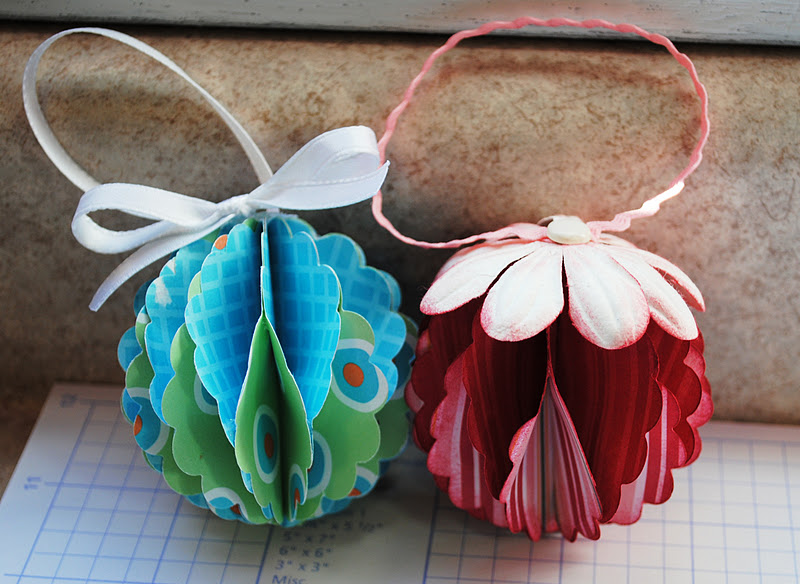 Good Golly, Ms. Molly!: Easy Paper Christmas Ornaments
