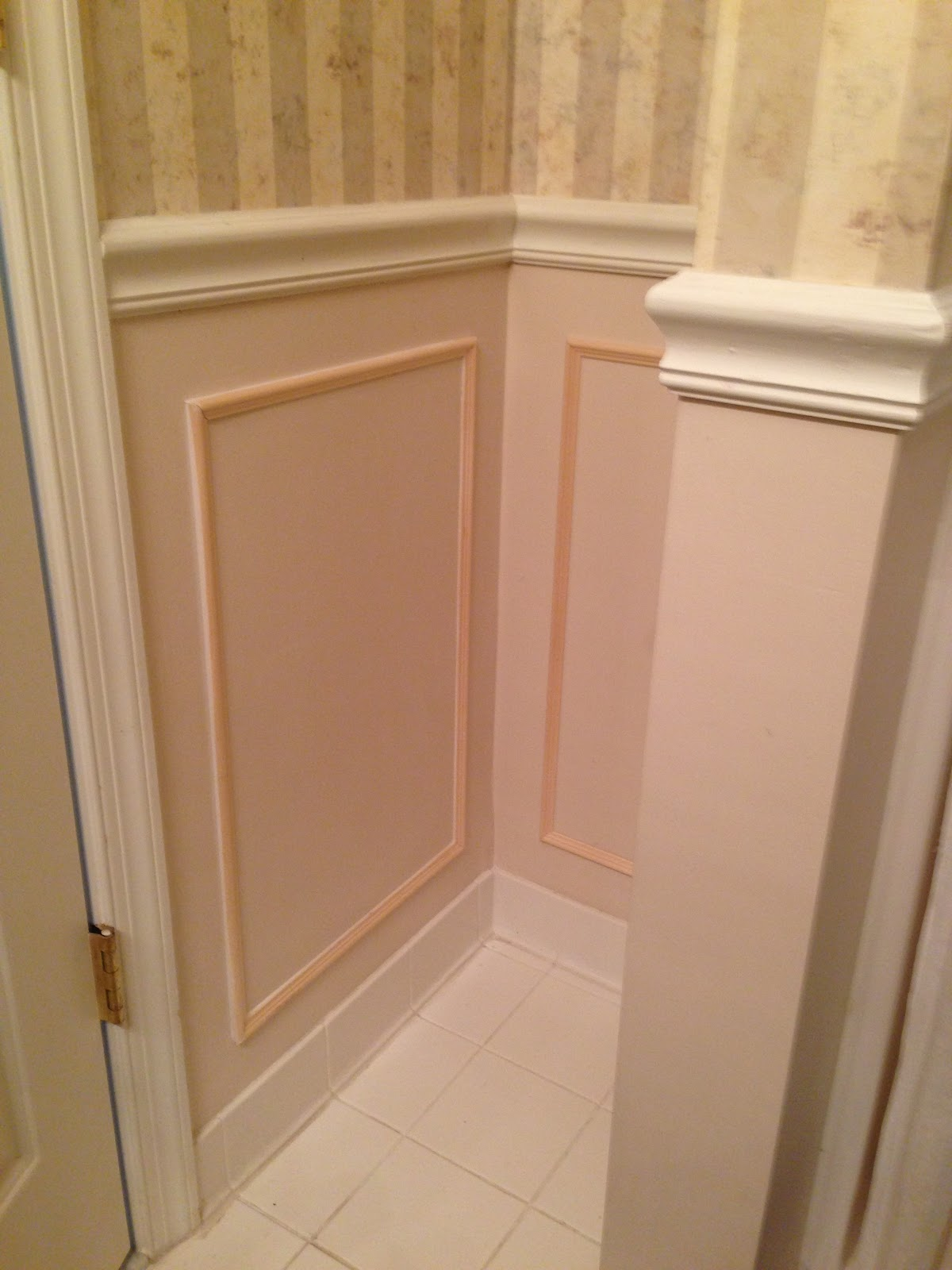 Sunshine Daisies Bathroom Tile Wainscoting