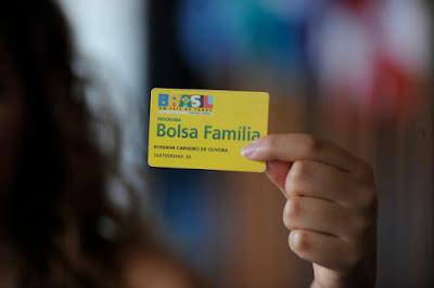 Bolsonaro indica que vai tirar beneficiários do Bolsa Família