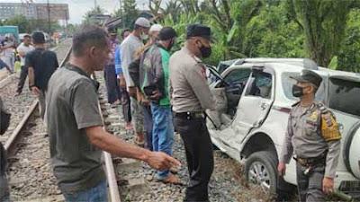 Mobil Tertabrak Kereta Api Lagi di Koto Tangah Padang