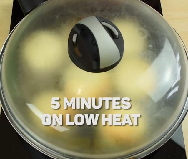syrniki pancakes in frying pan