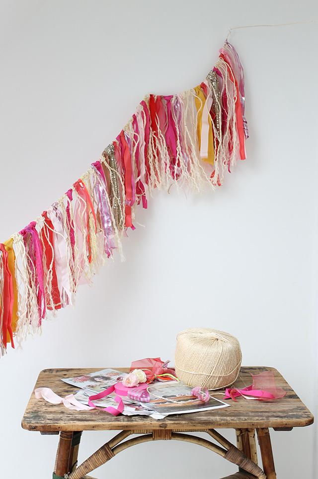 DIY – Ribbon and cord rustic garland
