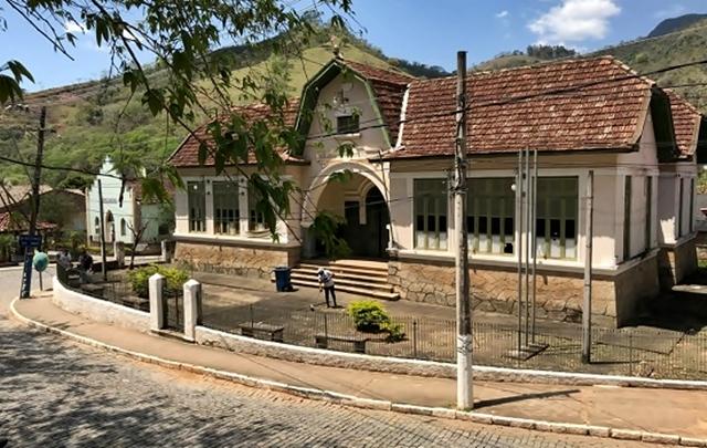 O patrimônio histórico fica na chegada do distrito de Visconde de Imbé.