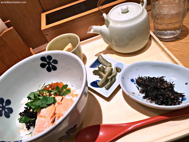Desayuno Típico Japonés en el Aeropuerto de Tokio
