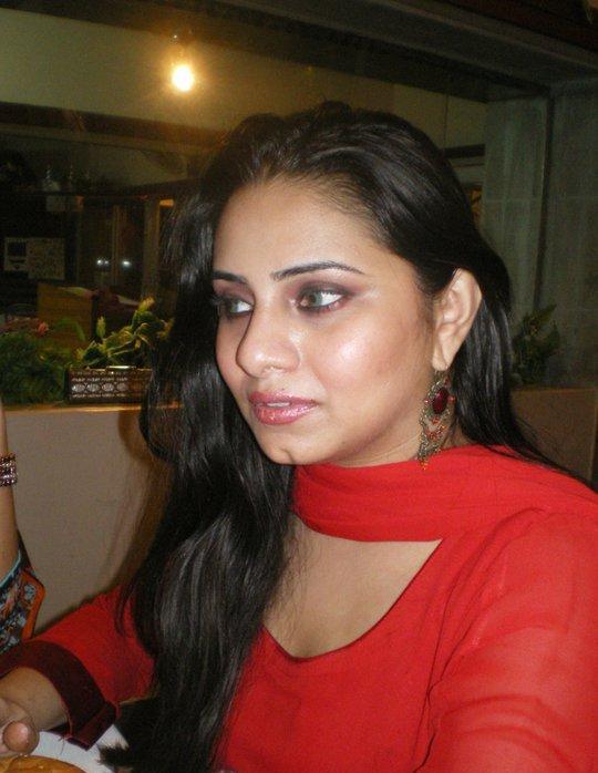 Tooba Ghumro Sindhi Tv anchor