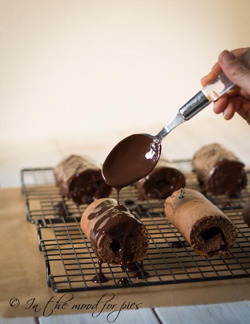 http://www.inthemoodforpies.ifood.it/2016/10/rotoli-al-cioccolato-con-confettura-di-albicocche.html