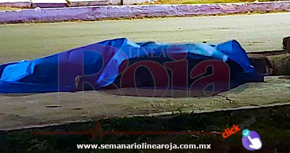 Ejecutan a un taquero e hieren con una bala perdida a una mujer, en Playa del Carmen