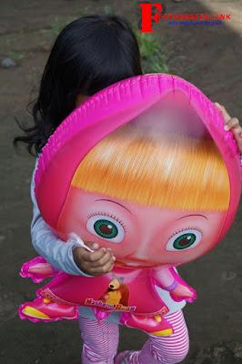 Hasil Foto Portrait Wajah Balon Masha Menggunakan Lensa Kit