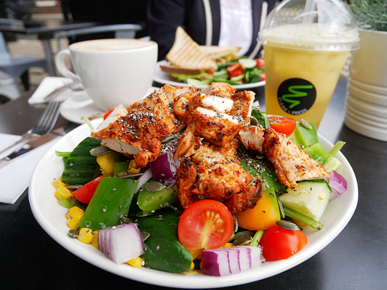 Clean & Press Jesmond Marinated chicken salad