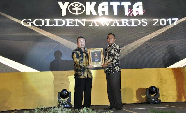 Bupati Loteng Raih Yakotta Golden Awards 2017