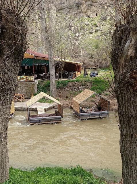 ristorante sul fiume a belisirma in cappadocia