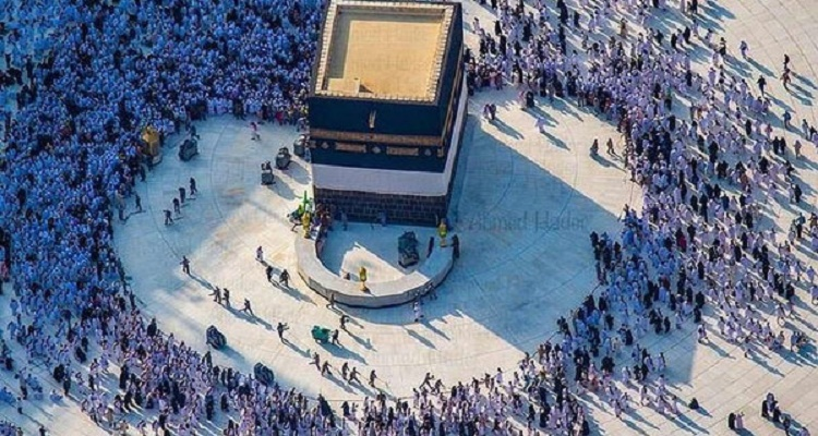 العربية تكشف صورة عجيبة في الحرم المكي.. تابعوا تفاصيلها