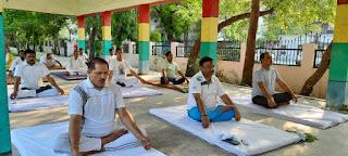 जालौन: सातवां अंतर्राष्ट्रीय योग दिवस सोमवार को वर्चुअल माध्यम से मनाया गया