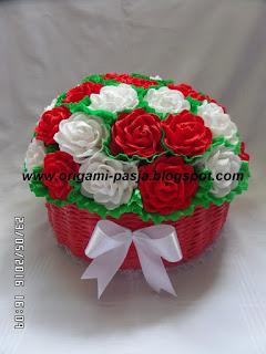 kosz, koszyk, róże, krepa włoska, czerwony, biały