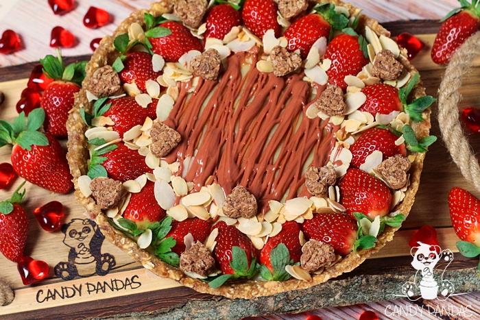 Tarta truskawkowo-migdałowa (bez glutenu, cukru białego, laktozy, wegańska)