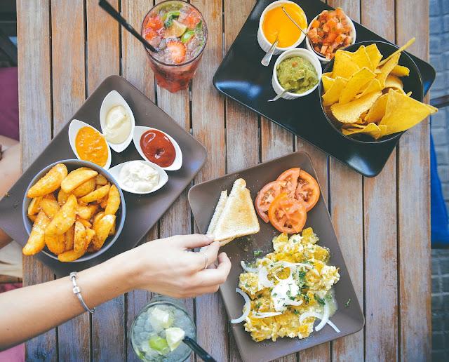 5 jenis makanan ini harus anda hindari ketika sahur agar tidak mudah merasa lapar