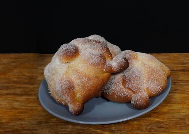 PAN DE MUERTO [receta original con mantequilla]