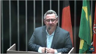 Raimundo Macedo pede ao Deputado Ruy Carneiro  emenda ao Orçamento da União para a compra de Notebooks para os professores da Rede Municipal