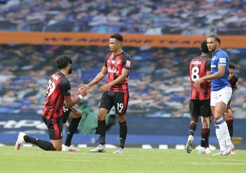 Bournemouth chia tay Premier League trong nước mắt