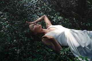 pinturas-femeninas-emociones-tangibles-y-naturales cuadros-mujeres-arte-natural