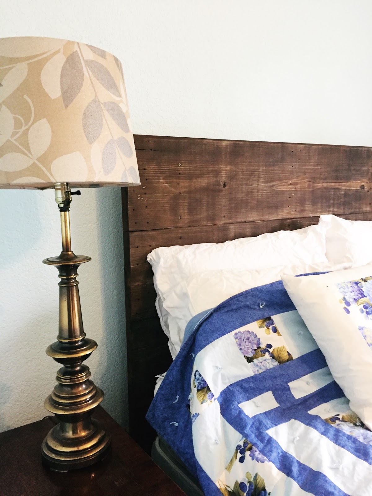Diy How To Make A Reclaimed Pallet Wood Headboard