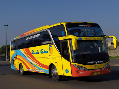 Foto Bus Rosalia Indah SHD389