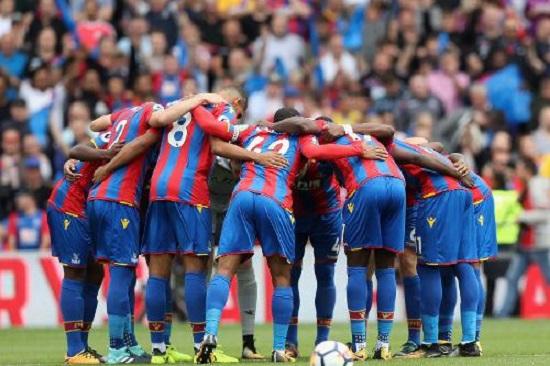 Crystal Palace có khởi đầu mùa giải 2014/15 không tốt.