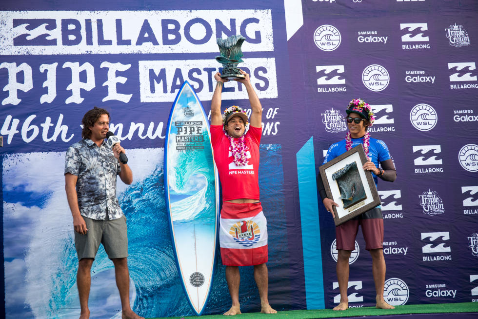 0 Michel Bourez Billabong Pipe Masters 2016 foto WSL tony heff