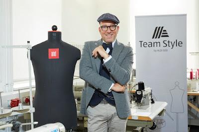 ALDI Süd mit neuer Firmenkleidung