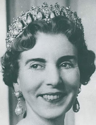 Tiara Mania: Danish Pearl Poiré Tiara worn by Queen Ingrid of Denmark