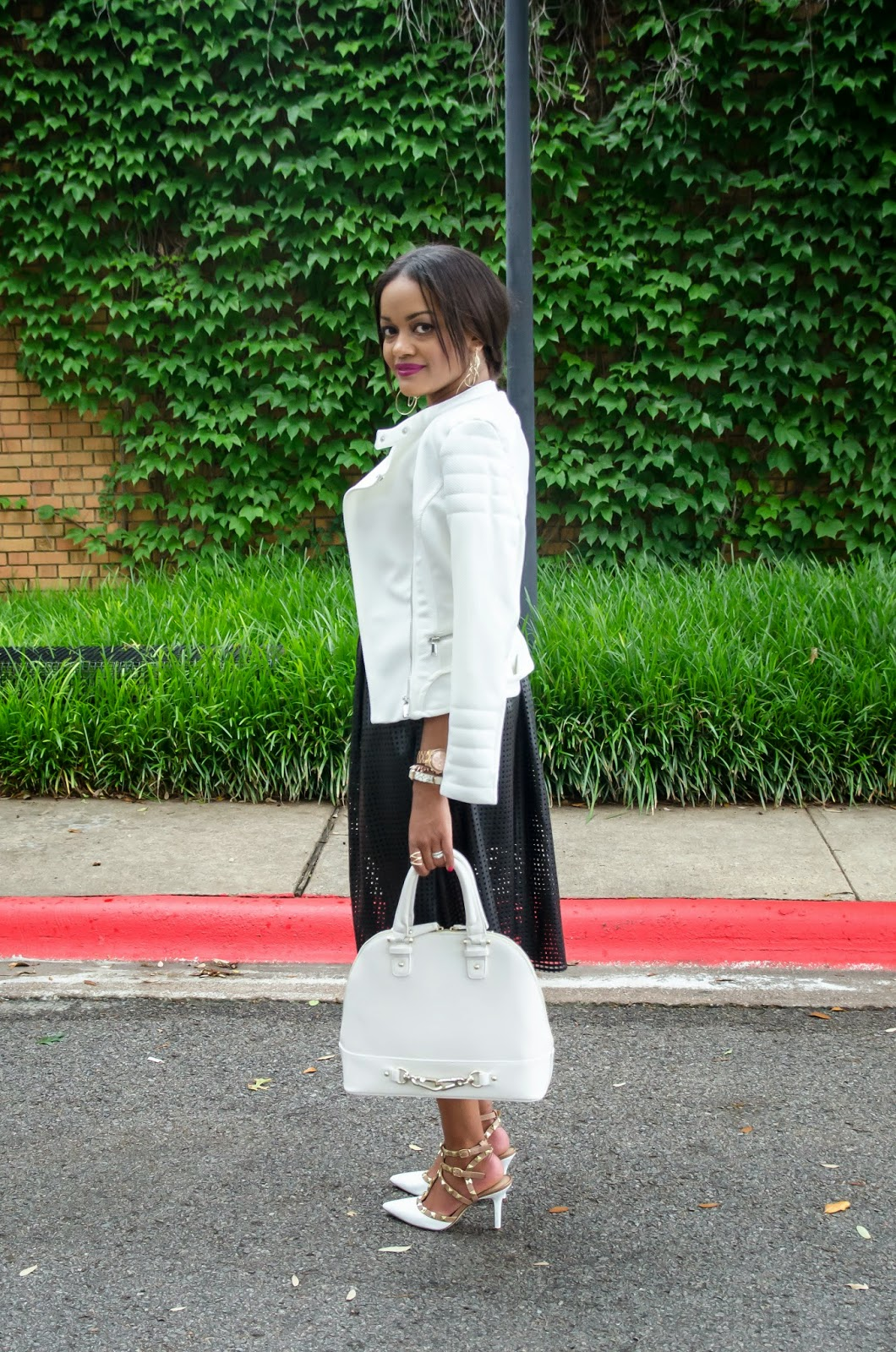 black and white outfit, leather outfit, leather skirt, leather perforated skirt, just fab handbag, white handbag, valentino rockstud, valentino inspired rocketed, moto jacket, dallas fashion, fashion blogger, dallas fashion blogger, detroit fashion blogger, black fashion blogger, street style, spring fashion,