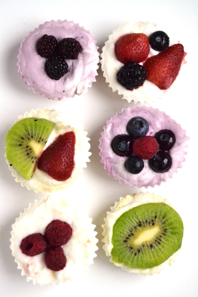 Frozen Yogurt Fruit Cups are so simple to make with just 3 ingredients and make the perfect high-protein filling snack that tastes like dessert! www.nutritionistreviews.com