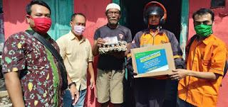 DSPPPA Kota Cirebon Salurkan Bantuan Gubernur (Misbar ) Kepada Masyarakat