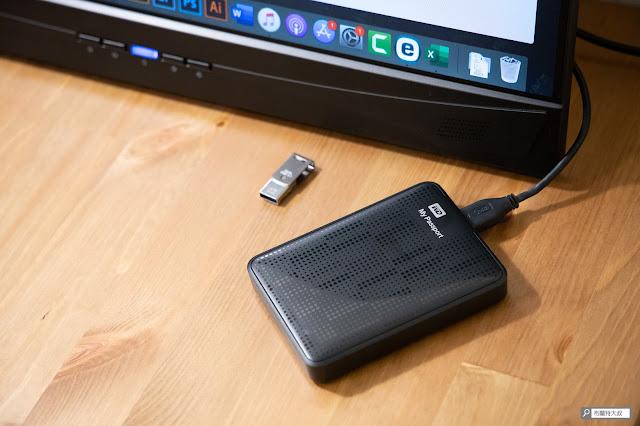 【開箱】滿版視野、極致輕巧,給奇 GeChic 2101H 攜帶式螢幕 - 內建 USB-A 接口,對新款 MacBook 真的很方便