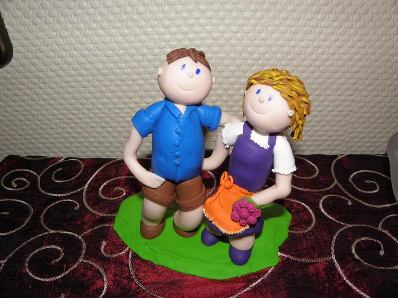 Tanjas Tortenfiguren aus Fimo ein Dirndlpaar zum 1