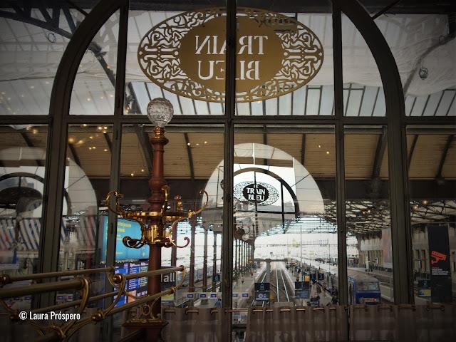 O Le Train Bleu é um restaurante situado em Paris dentro da estação ferroviária Gare de Lyon, uma obra-prima do estilo Belle Époque.