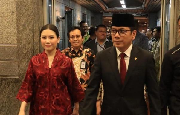 Wishnutama dan Angela Tanoe Kementrian Pariwisata dan Ekonomi Kreatif Indonesia