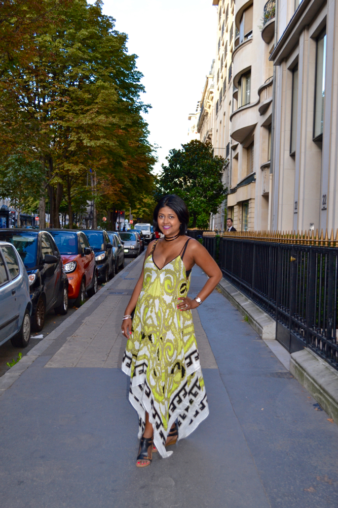 scarf dress in Paris what to wear in paris