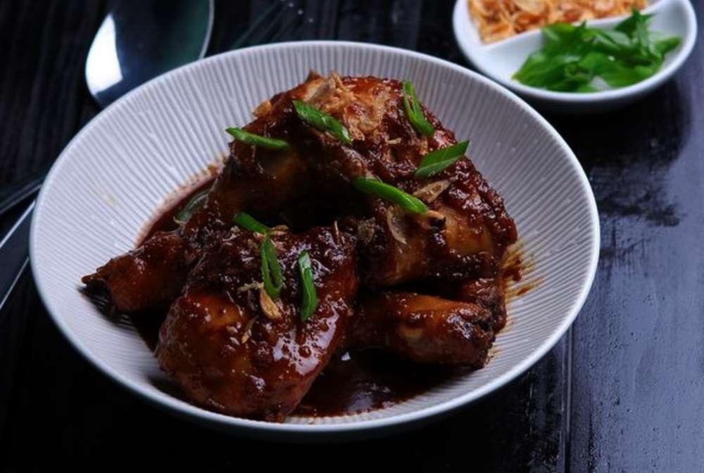 Ayam Bakar Kecap (istockphoto.com)