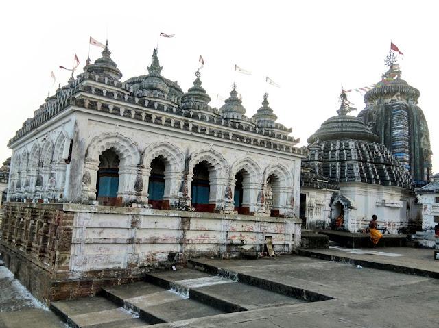 Nilamadhaba Kantilo Temple