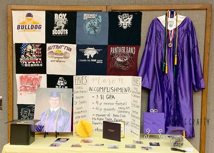 Items to include in a Graduation Display