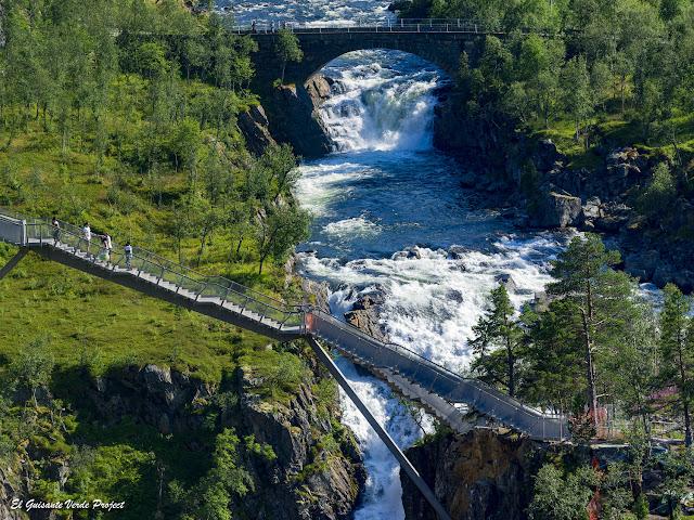 Vøringfossen, puente - Noruega, por El Guisante Verde Project
