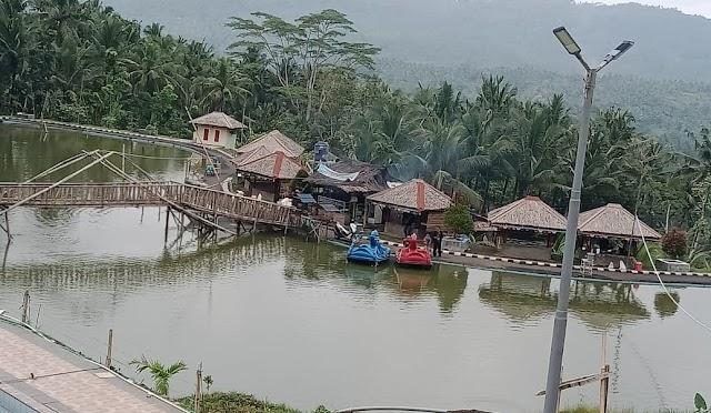 Tingkatkan PADes dan Perekonomian Masyarakat, Pemdes Sukawangun, Kec.Karangnunggal Bangun Desa Wisata Kolam Renang