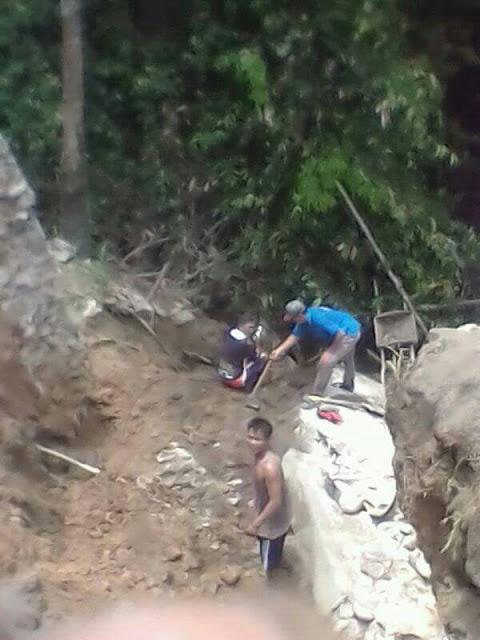 Baru Seumur Jagung, Dinding Penahan Jembatan Desa Muara Ikan Ambruk