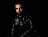 """Raphael Mendes: assista versão do brasileiro para """"The Writing On The Wall"""""""