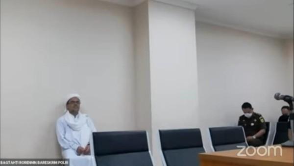 HRS Diam Meski Berkali-kali Ditanya Hakim