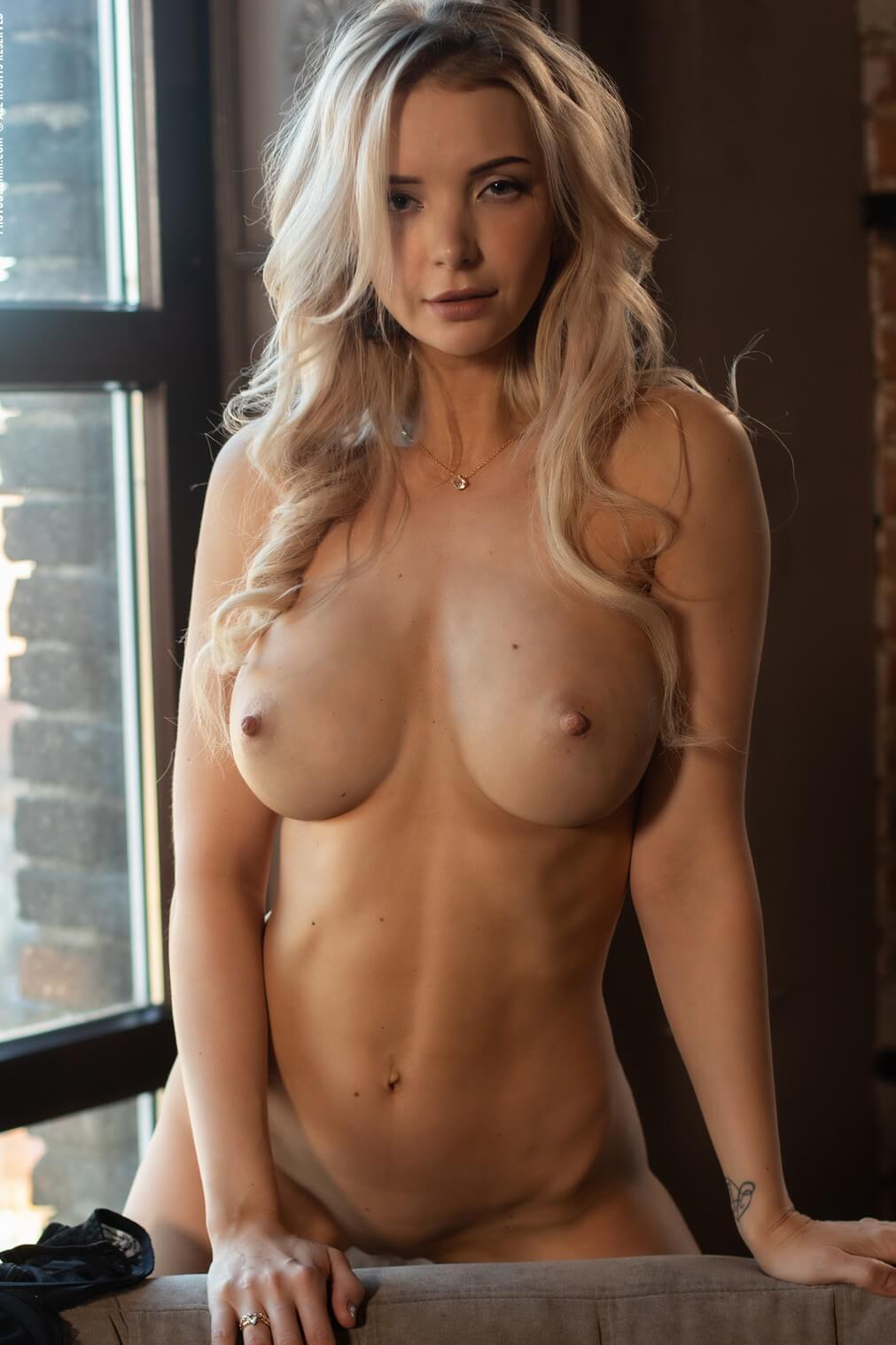 Busty nude models