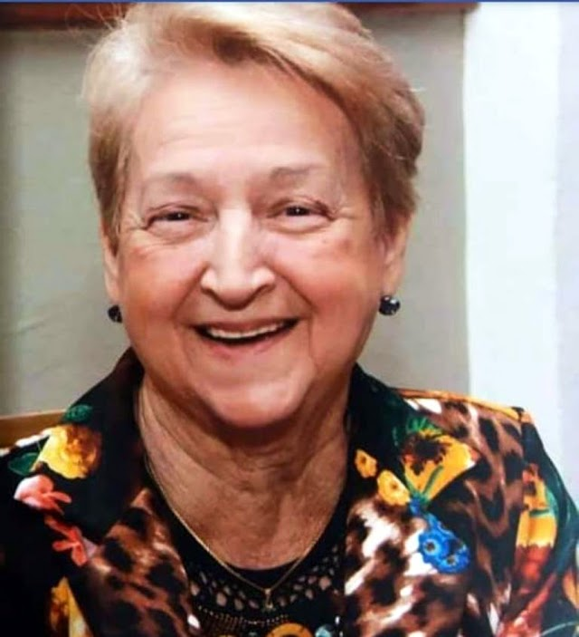 MORRE TIA VALDE PROFESSORA